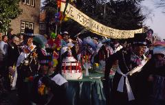 Carnaval in onvervalst Tilburgs in 1983.