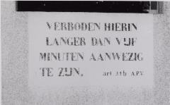 Opschrift openbaar urinoir 1958. Foto: A. Vermeulen
